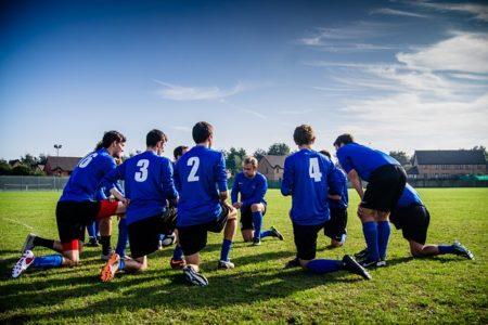 大学サッカーチームの「プロモーションチーム」って何?
